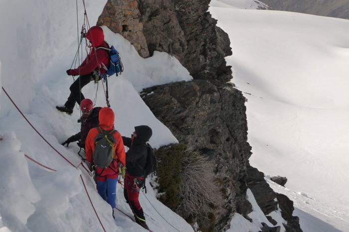 Curso de progresión glaciar y auto rescate